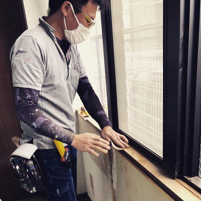 今日のREKENT!世間はゴールデンウィーク真っ只中ですね!REKENTは歯科医院の改装工事真っ只中です🤣連休でも塗装職人さん、大工さん、電気工事士さんとチームREKENT フル稼動で工事を進めておりますっ!・#rekent #orderfurniture #woodwork #woodworkfactory #woodworker #オーダー家具 #オーダー家具製作#家具好き#家具好きな人と繋がりたい#リフォーム #リノベーション#リノベ#店舗デザイン#店舗家具#店舗設計 #家具工房#オリジナル家具 #インテリア #内装 #デザイン #歯科医院 #歯科医院デザイン #歯科医院内装 #ゴールデンウィーク #ゴールデンウィークは仕事 #改装工事#職人さんフル稼動#平成最後の工事
